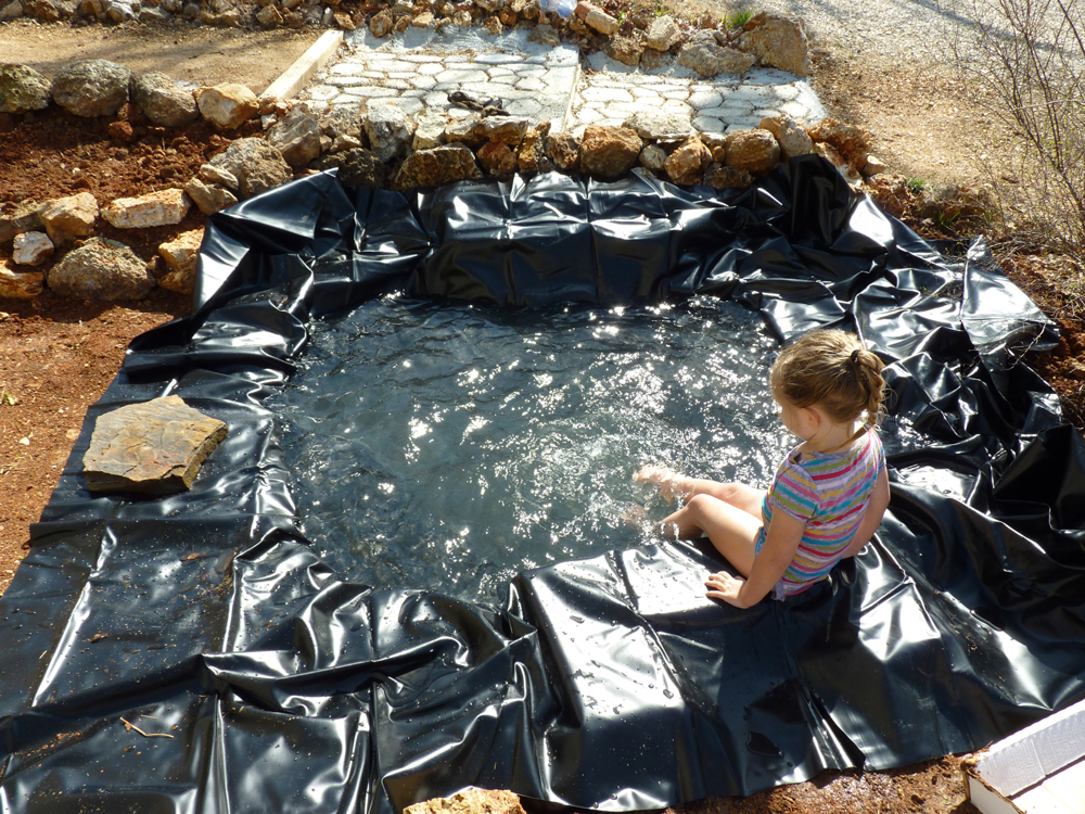 Building a Pond, Part 2 Waterproofing (4/4)